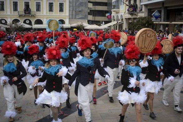 Πάτρα: Τα πληρώματα δίνουν ραντεβού για την καρναβαλική τους παρέλαση!