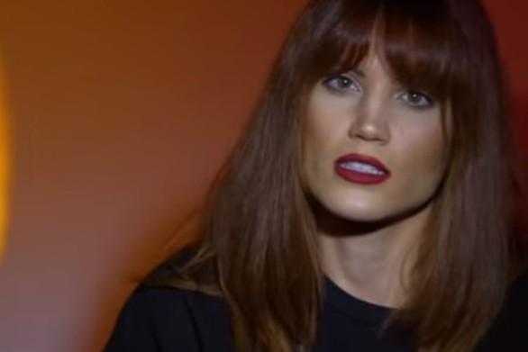 """Μαίρη Συνατσάκη: """"Πώς θα μπορούσε να σε τρελάνει ένας άνθρωπος που έχει κάνει τρεις μήνες τηλεόραση""""; (video)"""
