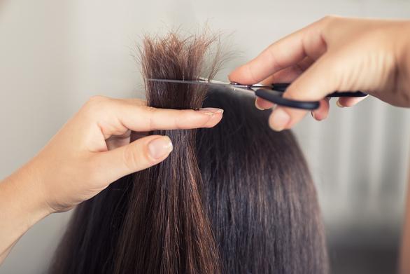 Πέντε tips θα σώσετε τα ξηρά μαλλιά σας