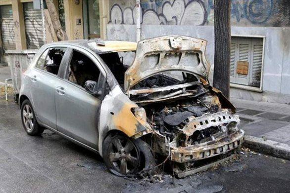 Εμπρησμοί αυτοκινήτων σε Γλυφάδα, Ζωγράφου και Κερατσίνι