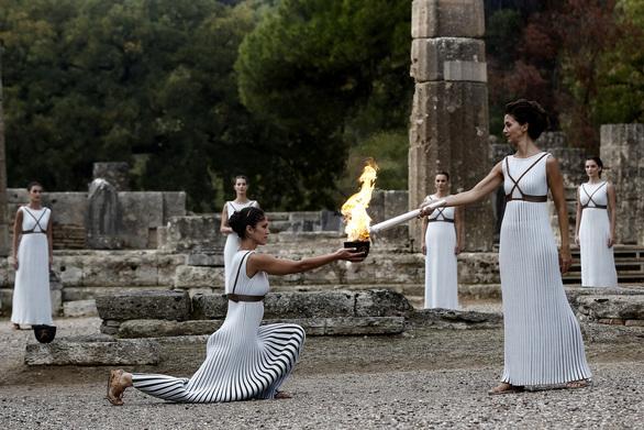 Αρχαία Ολυμπία - Χωρίς θεατές η τελετή αφής της Ολυμπιακής Φλόγας