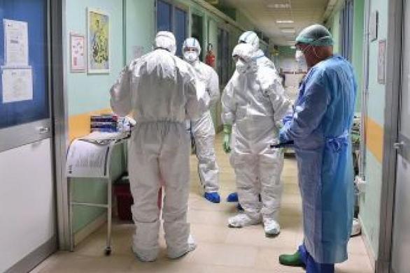 """Ιατρικός Σύλλογος Πάτρας: Νέες οδηγίες προστασίας κοινού από τον κορωνοϊό - """"μένουμε σπίτι"""" !"""