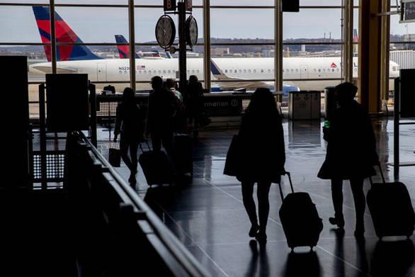 Tourism Economics: Τα παγκόσμια ταξίδια αναμένεται να μειωθούν κατά 10,5% φέτος