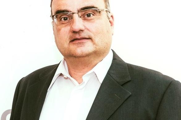 """Ηλίας Κωνσταντάτος: """"Να μείνουμε όλοι όρθιοι"""""""