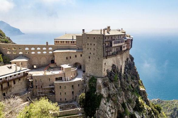 Κλείνει ως τις 30 Μαρτίου το Άγιο Όρος για τους επισκέπτες
