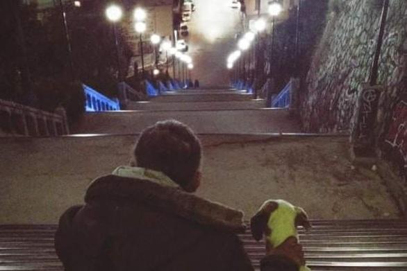 Έρημες και μόνες οι σκάλες της Αγίου Νικολάου της Πάτρας