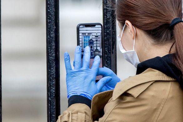 Παραδόθηκαν 20.000 γάντια μιας χρήσης στη Γενική Αστυνομική Διεύθυνση Θεσσαλονίκης