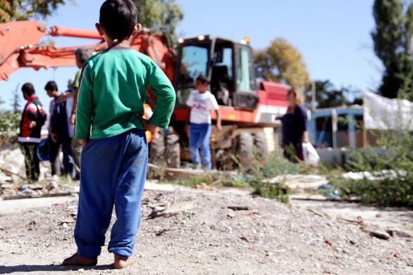 Πάτρα - Πραγματοποιήθηκε διανομή τροφίμων στις οικογένειες Ρομά, στο Ρηγανόκαμπο