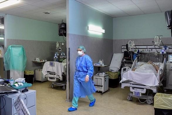 Κορωνοϊός - Το τεστ έδειξε ότι είναι θετικοί πέντε γιατροί του ΠΓΝ Πατρών