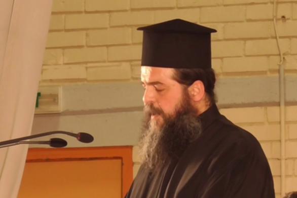 """Πάτρα - Ιερέας που έκανε τη λειτουργία στον Άγιο Νικόλαο: """"Είμαι θύμα της ανθρωποφαγίας"""""""