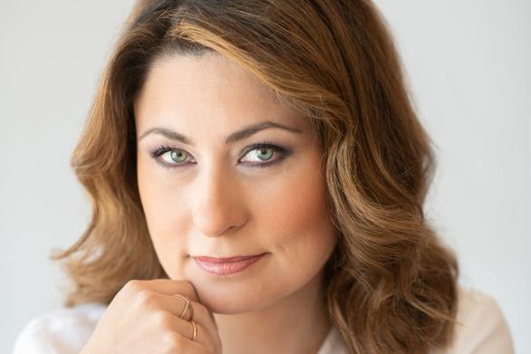 """Χριστίνα Αλεξοπούλου: """"Σου εύχομαι να μην ζήσεις σε «ενδιαφέροντες καιρούς»"""""""