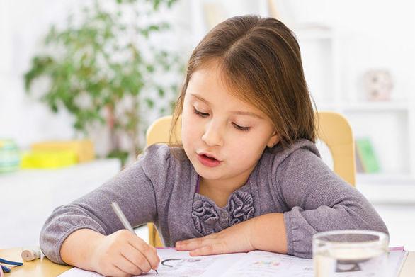 Με κλειστά σχολεία πώς πείθουμε το παιδί ότι δεν κάνει διακοπές;
