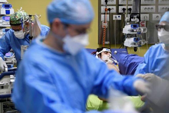 ΠΟΥ: Απέχουμε πολύ από το τέλος της επιδημίας του κορωνοϊού
