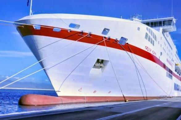 Πάτρα: Πρόσκρουση πλοίου στο λιμάνι λόγω των δυσμενών καιρικών συνθηκών