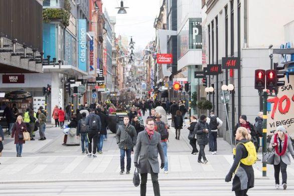 Σουηδία: Ετοιμάζεται για αυστηρά μέτρα κατά του κορωνοϊού