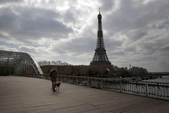 Πιο αυστηρά μέτρα στο Παρίσι για τον κορωνοϊό