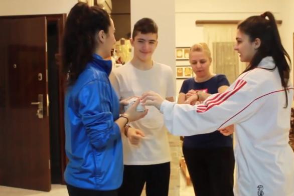 Το βίντεο που φτιάχτηκε στην Πάτρα για να σπάσει την μονοτονία της καραντίνας