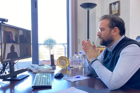 Ο Νεκτάριος Φαρμάκης πραγματοποίησε τηλεδιάσκεψη με τους παραγωγικούς φορείς της Δυτικής Ελλάδας
