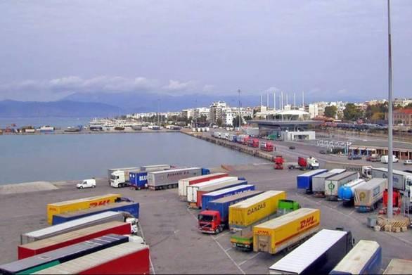 Το λιμάνι της Πάτρας κρατάει γερά παρά τον κορωνοϊό - Αύξηση της κίνησης των φορτηγών