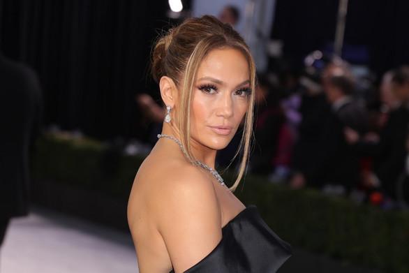"""Η Jennifer Lopez γίνεται """"Νονά""""!"""