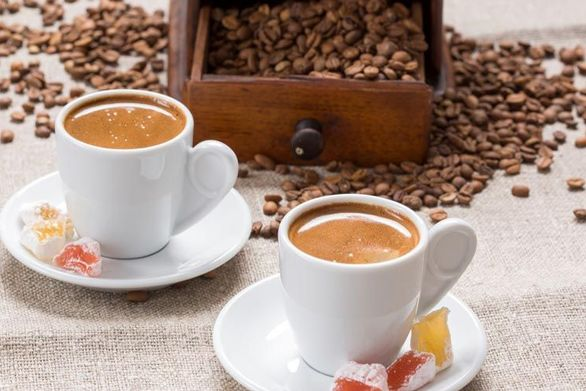 Τι αλλάζει στη γεύση μας όταν πίνουμε καφέ