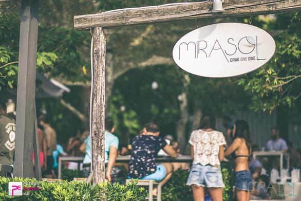 To Mirasol στη Ροδινή, αναζητά άτομα για εργασία!
