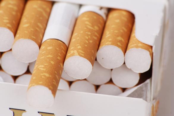 """Πάτρα: """"Τσίμπησαν"""" αλλοδαπό με πάνω από 600 πακέτα λαθραίων τσιγάρων"""