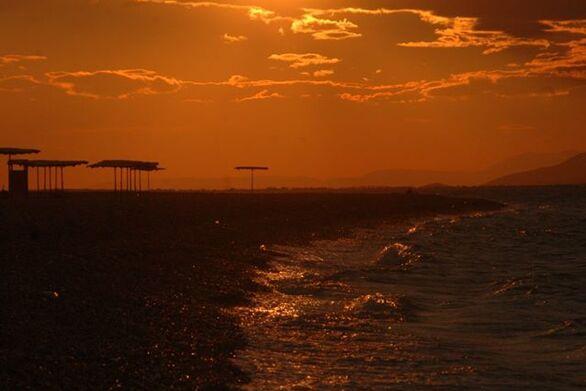 Η ειδυλλιακή Πλαζ, την ώρα του ηλιοβασιλέματος!