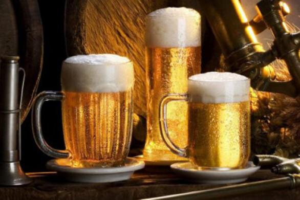 2.600 λίτρα μπύρας μοίρασε δωρεάν ζυθοποιείο στην Γερμανία