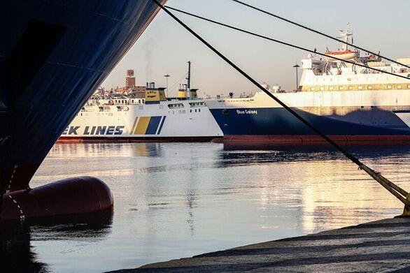 Πώς θα γίνονται οι μετακινήσεις με πλοία και αεροπλάνα