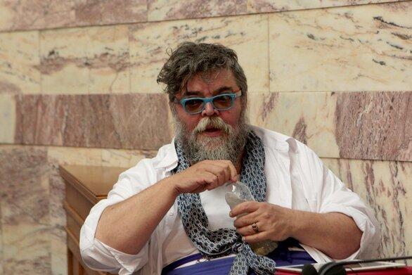 Κραουνάκης - Διαψεύδει τα περί αποζημίωσής του από τον Δ. Αθηναίων