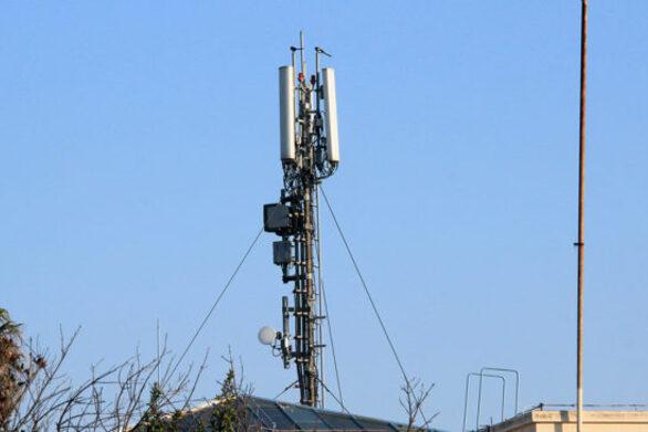 """Πάτρα: Ξεσηκώνονται στην Αγυιά για τις κεραίες κινητής τηλεφωνίας - """"Φυτρώνουν"""" σαν τα """"μανιτάρια"""""""