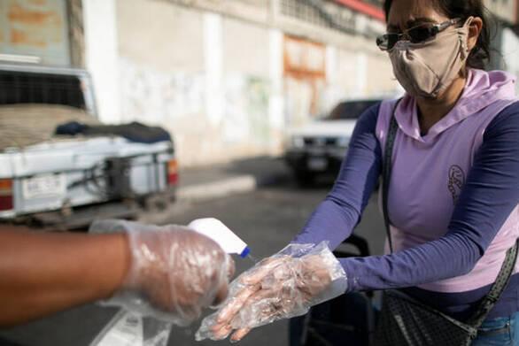 Υπερδιπλασιάστηκαν τα κρούσματα κορωνοϊού στη Βενεζουέλα