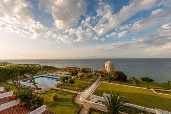 Αχαΐα: Περιμένουν ακόμα τα μέτρα ελάφρυνσης οι ξενοδόχοι και ο τουρισμός