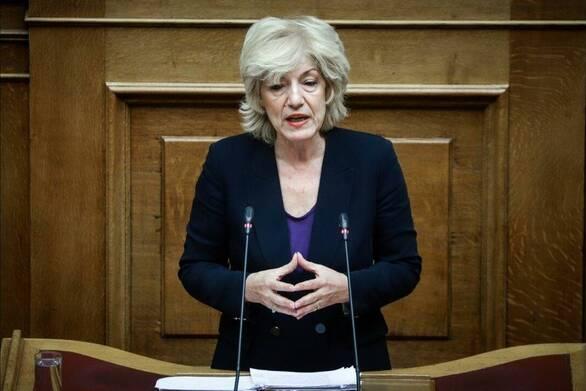 Η Σία Αναγνωστοπούλου για την καθυστέρηση στην εφαρμογή των αποφάσεων για τα σχολικά εγχειρίδια της Β.Μακεδονίας