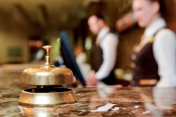 Με ρήτρα πληρότητας η επαναπρόσληψη εργαζομένων στον τουρισμό