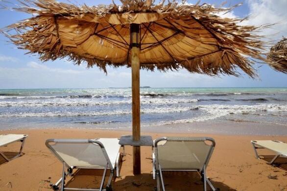 """Αχαΐα: Ο """"παραλογισμός"""" στις παραλίες για την εστίαση έχει και συνέχεια - Αγανάκτηση για την ΚΥΑ"""