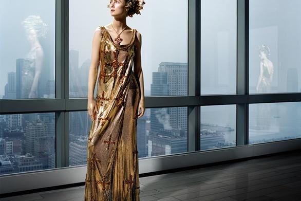 Διαδικτυακή έκθεση των φωτογραφιών «Heavenly Bodies» του diCorcia για το Vogue