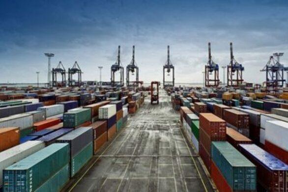 Κάθετη η πτώση των ελληνικών εξαγωγών