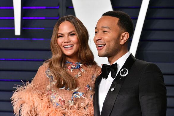 Ο John Legend αποκάλυψε ότι στην καραντίνα ήρθε πιο κοντά με την Chrissy Teigen!