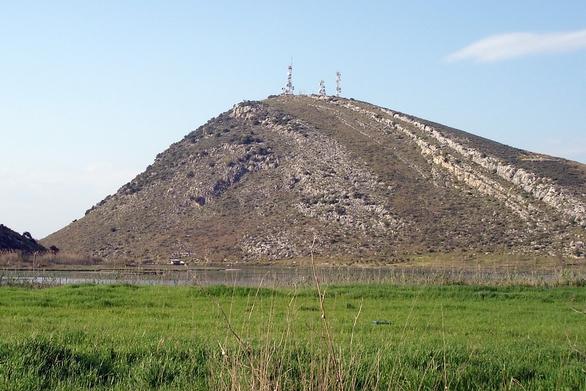"""Αχαΐα: """"Γκάφα"""" της ΡΑΕ οι ανεμογεννήτριες για τα Μαύρα Βουνά του Αράξου"""