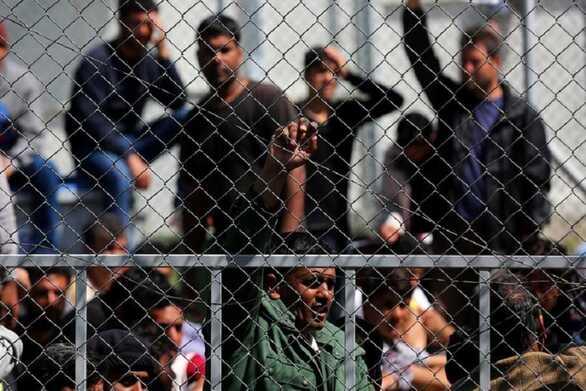 Πάτρα: Συλλαλητήριο στην πλατεία Γεωργίου για τους πρόσφυγες και μετανάστες