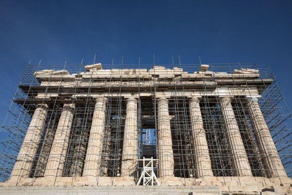 Λ. Μενδώνη: Ως τον Αύγουστο ο ανελκυστήρας και ο νέος φωτισμός στην Ακρόπολη