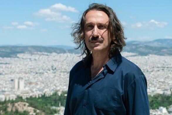 Ρένος Χαραλαμπίδης: «Για τον εορτασμό του 2021 προτείνω να αφήσουμε όλοι οι Έλληνες μουστάκι» (φωτο)