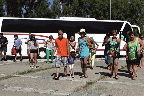 Αχαΐα - Ηλεία: Στην «καραντίνα» ο τουρισμός και ο ξενοδοχειακός κλάδος