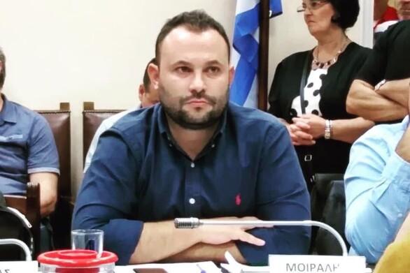 """Νικόλαος Μοίραλης: """"Aλλού βαρούν τα όργανα και αλλού χορεύει η νύφη"""""""