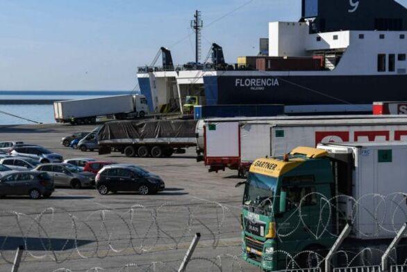 Έφτασαν στο νέο λιμάνι της Πάτρας τα δύο πρώτα πλοία - Αυστηρά μέτρα και τεστ
