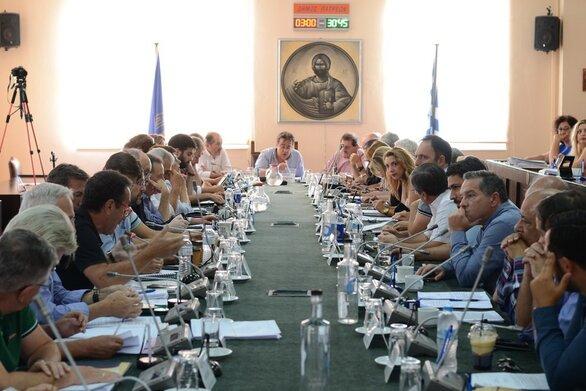 Έκτακτη συνεδρίαση του Δημοτικού Συμβουλίου Πάτρας για το νομοσχέδιο για τις διαδηλώσεις