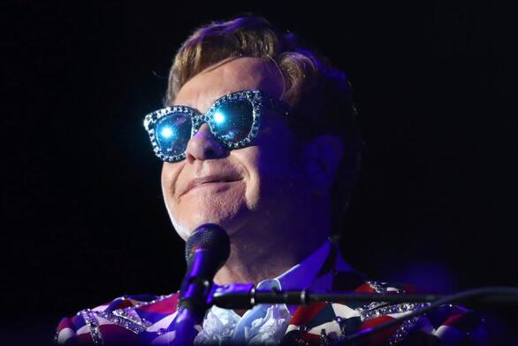 Ο Elton John παρουσιάζει στο YouTube σειρά για να βοηθήσει στην πανδημία