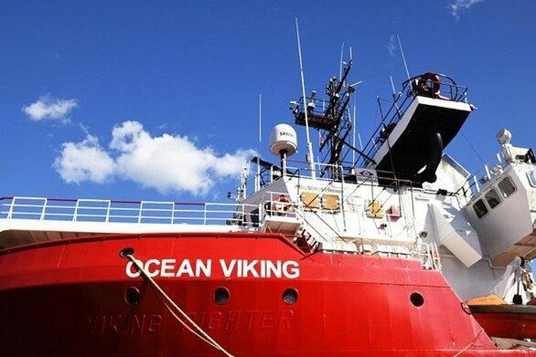 Σε 15ήμερη καραντίνα οι 180 πρόσφυγες του Ocean Viking